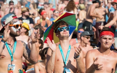10 types of people you will meet at a beach volleyball event