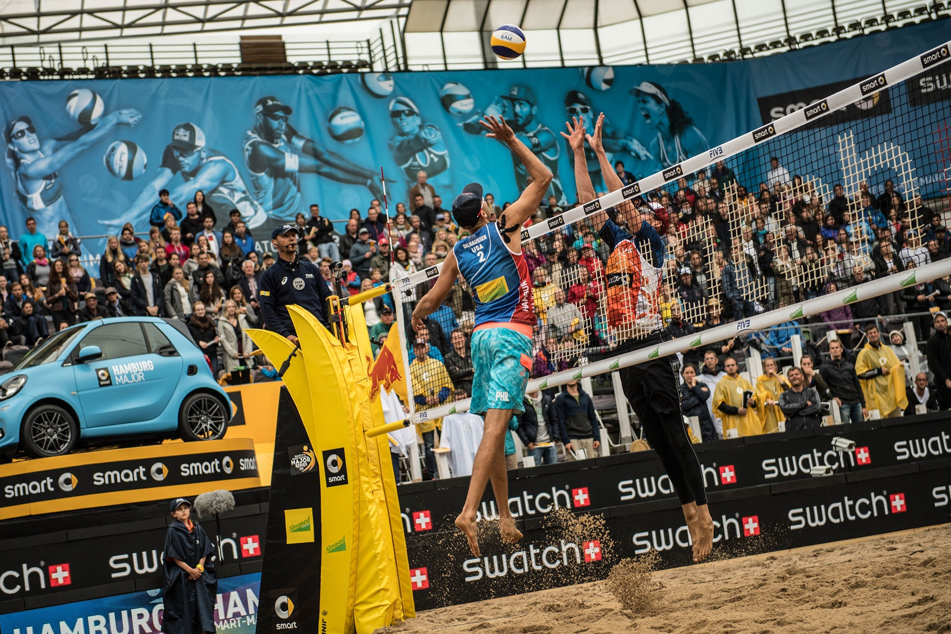 Phil Dalhausser bossed it at the net at the smart Major Hamburg. Photocredit: Joerg Mitter.