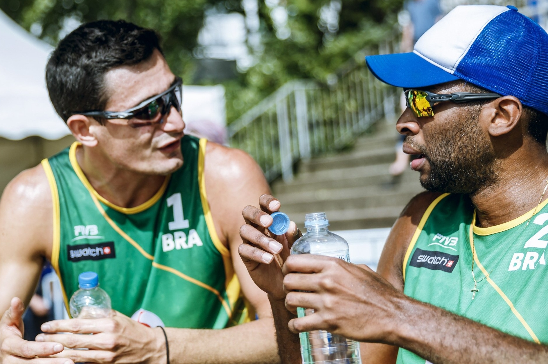 The Brazilian duo talk tactics during their straight sets win