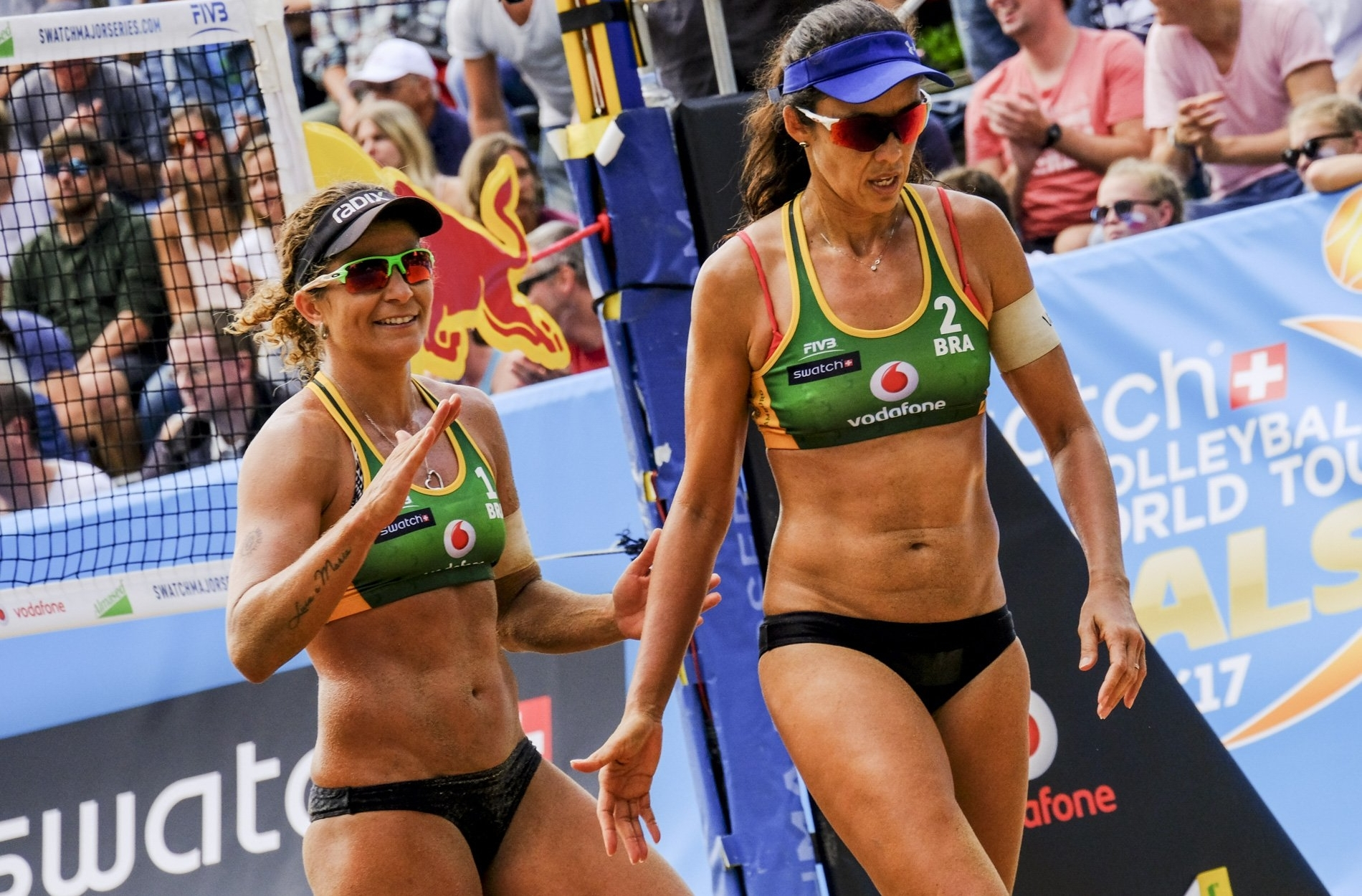 Larissa and Talita's first win of the tournament secured them a place in the last eight