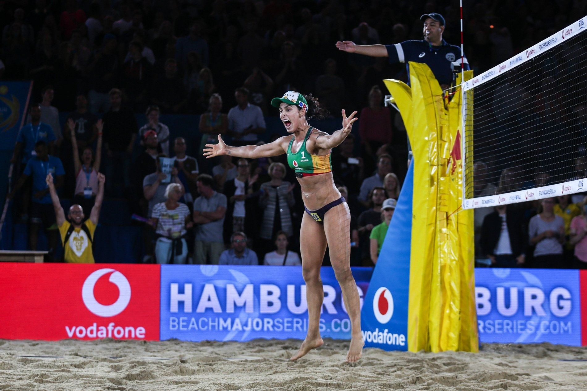 Agatha and Duda started their campaign in Hamburg with a victory