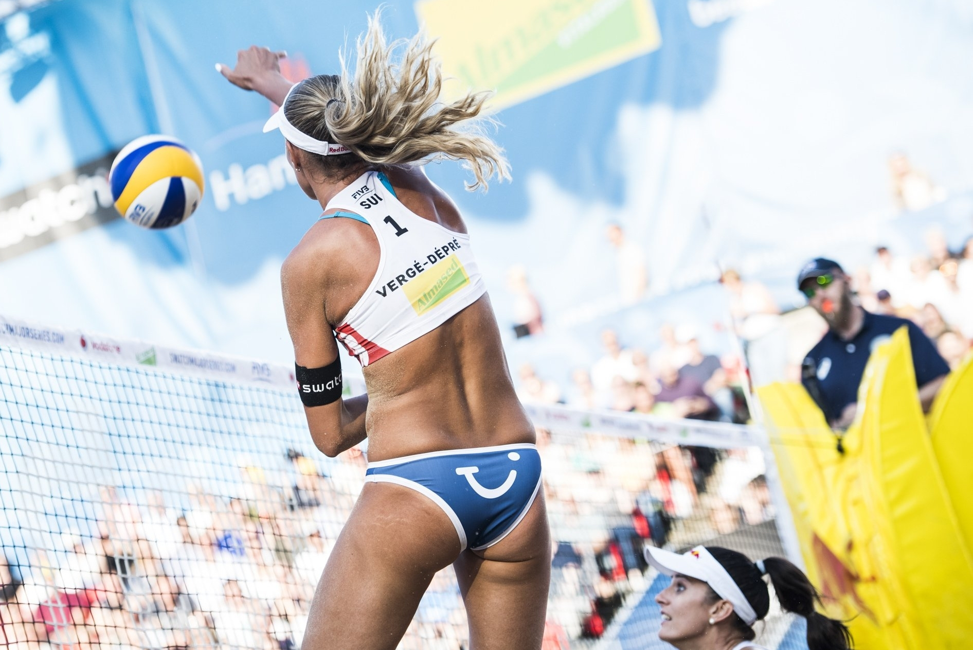 Anouk in hair-raising action on the Red Bull Beach Arena